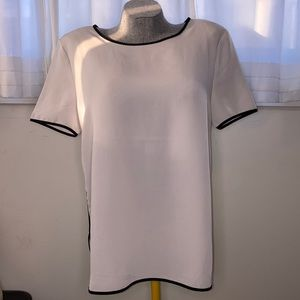 Forever 21 white top with black outline